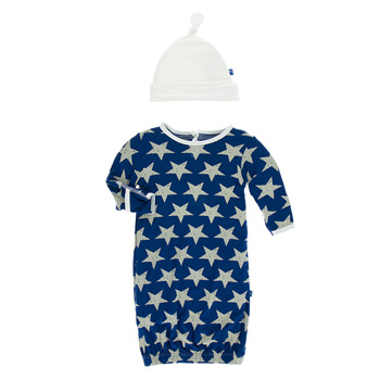 Print Layette Gown & Knot Hat Set in Vintage Stars