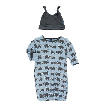 Print Layette Gown & Double Knot Hat Set in Pond Raccoon