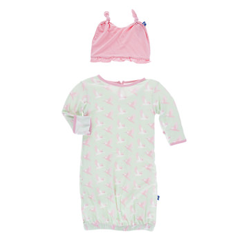 Print Layette Gown & Ruffle Knot Hat Set in Aloe Kingfisher