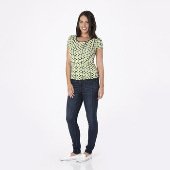 Print Short Sleeve Scoop Neck Tee in Aloe Tomatoes
