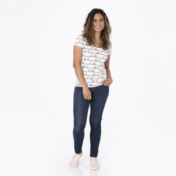 Print Short Sleeve Scoop Neck Tee in Natural Tractor and Grass