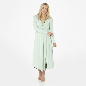 Solid Basic Robe in Aloe